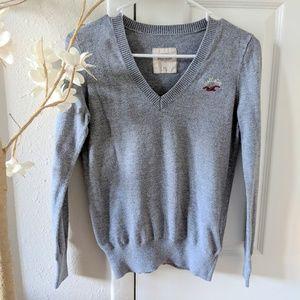 Hollister v-neck sweater size XS